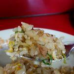 豚太郎 - 味付けは塩、胡椒、味の素(旨味調味料)、ラーメン用タレを使用している模様で味もしっかりついています!。パラパラ感もGood♪