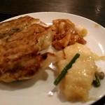 美珍楼 - イカ炒め物と鶏の中華炒め、美味しい餃子