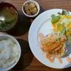 綴 室町別館 - 料理写真:16.4 アボカド明太子ハンバーグ