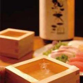 厳選日本酒常時数十種類ございます。