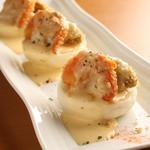 ガルニチュール - 当店唯一のフライ(揚げ物)料理はこれ!海老&アボカドのフライ マヨチリソース