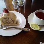 50275772 - 苺のケーキセット