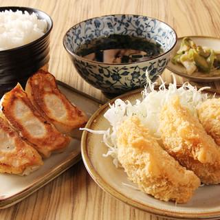 平日ランチはご飯・スープ・カレーがお代わりし放題!!