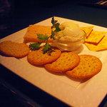 ザ・海峡 - クラッカーのセットには、たっぷりのクリームチーズが。