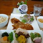フォレストガーデン - 豚ロースバルサミコ味 副菜3種