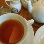 巴裡 小川軒 サロン・ド・テ - 紅茶はポットサービス