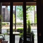 巴裡 小川軒 サロン・ド・テ - 窓からの景色