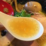 中華そば鷸 - 化学調味料を一切使用しない蛤出汁の旨みスープ
