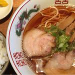 麺商人 - 煮干し中華そば680円+白ごはん(中)100円