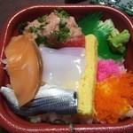 海鮮市場 丼丸 高井田店 - まんぷく丼(540円)