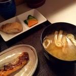 つる来 - 銀しゃけの麹焼き定食