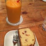 ファブカフェ - スムージーとレモンパウンドケーキ