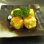 大新 - 沖縄では定番のジーマミ豆腐を揚げ出しに。プリッ、サクッとジューシー!!