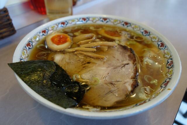 春木屋 郡山分店 - ワンタンメン+煮玉子(カット)