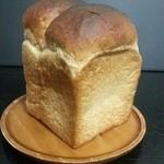 庭のパン屋さん - 「食パン」