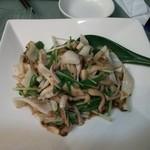 ふぢの - ヤリイカときのこの炒め物