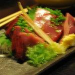 和さび地魚料理 - 戻り鰹の刺身 ブレていますが・・・