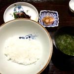 白金にし田 - 【お食事】○土鍋炊きご飯様。大きな伊万里焼?の土鍋で炊かれた物凄く良い香りのする御飯様がもう輝いています☆