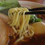 らーめん 円満 - ストレート太麺。