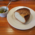 Vivoイタリア食堂 - パンとオリーブオイル