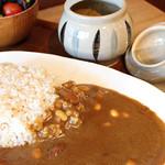 一言堂 - 料理写真:カレーは3種類からお選び頂けます。(全てに豆入)野菜と、角煮と、豆カレーです。