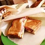 いとまるcafe - 料理写真:ホットサンド