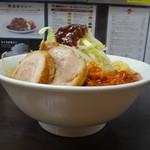 ラーメンいつき - 辛ミートメン(醤油) 野菜ニンニク甘め