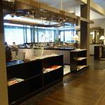 元町珈琲 高松茜の離れ - 奥に喫煙の部屋があります。