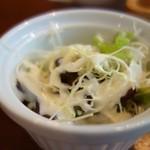 LOHAS cafe 今池 - サラダ(カレー目玉焼き・チーズトッピング)