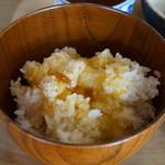 有鄰庵 - 岡山名物黄ニラ醤油のたまごかけごはん
