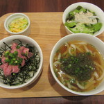 カフェ&バール 1363 - ハーフうどん&ハーフローストビーフ丼 1000円