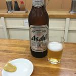 亀戸餃子 本店 - 瓶ビール(大)(^∇^)