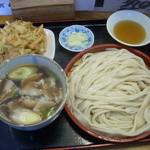 駕籠休み - 肉汁うどん大盛り800円+かき揚げ200円