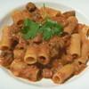 VINO due - 料理写真:豚肉のラグーとレンズ豆のトマトソース リガトーニ