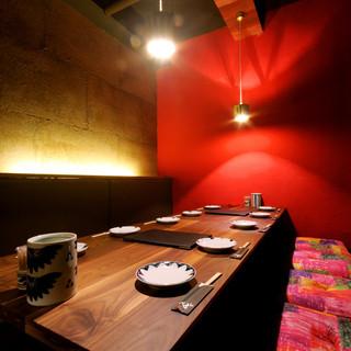 密かな夜会に最適な個室は2名から40名様まで。