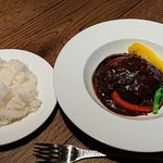 50358039 - BEYOND ー CAFE & DINING - @中葛西 ランチ 煮込みハンバーグ 950円(税別)