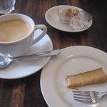5036979 - カスタードプリンとホットコーヒー