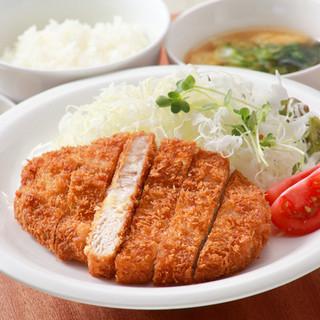 瀬戸内六穀豚ロースカツ定食