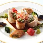 中国料理 李芳 - 生湯葉と海の幸の包み蒸し 葱タレと山葵のソースで