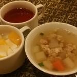 アジアンタワン - 【2016年4月ワンコインランチ】セットのスープ、杏仁豆腐、タイのお茶