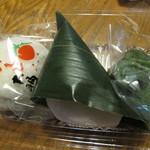 竹和 - (左から)いちご大福、麩まんじゅう、草餅