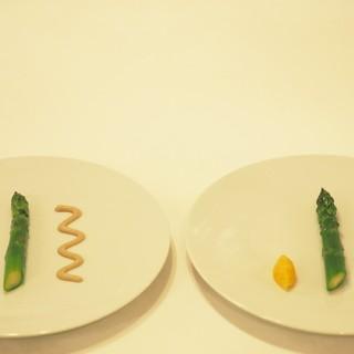 食材の旬はもちろん、供するタイミングまで図った一期一会の料理