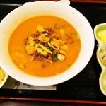 健康中華庵 青蓮 - 担々麺と半チャーハンセット 850円