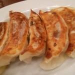 中華飯店 天津餃子房 - やみつき焼き餃子