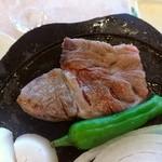 50377925 - 淡路牛と地物野菜の溶岩焼き