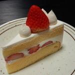 シュヴェーネ - 料理写真:ショートケーキ(350円)