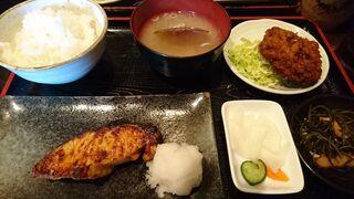 里の宿 - 銀ダラ味噌焼き定食+ネギトロメンチ