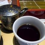 そば茶屋 華元 本膳庵 - 最後は蕎麦湯をいただいてお腹を癒し此処の日のランチは終了です。