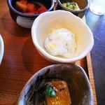 菜々 土古里 - おかず色々