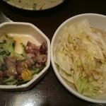 鶏々舎 - ホタルイカの酢味噌和え とキャベツ